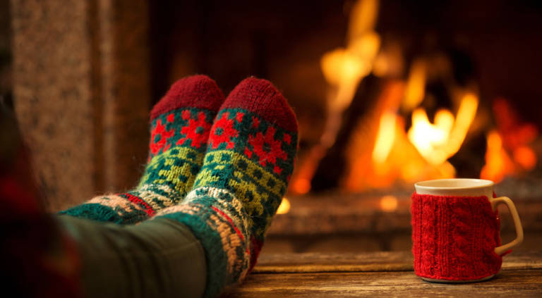 Staying-Cozy-in-the-Winter-5-Tips-for-Efficiently-Warming-Your-Home-768x423